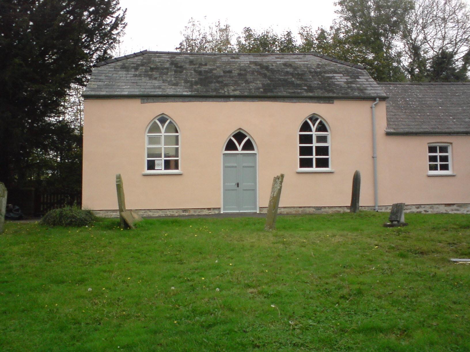 glasbury-church-from-graveyard-3-oct-2007