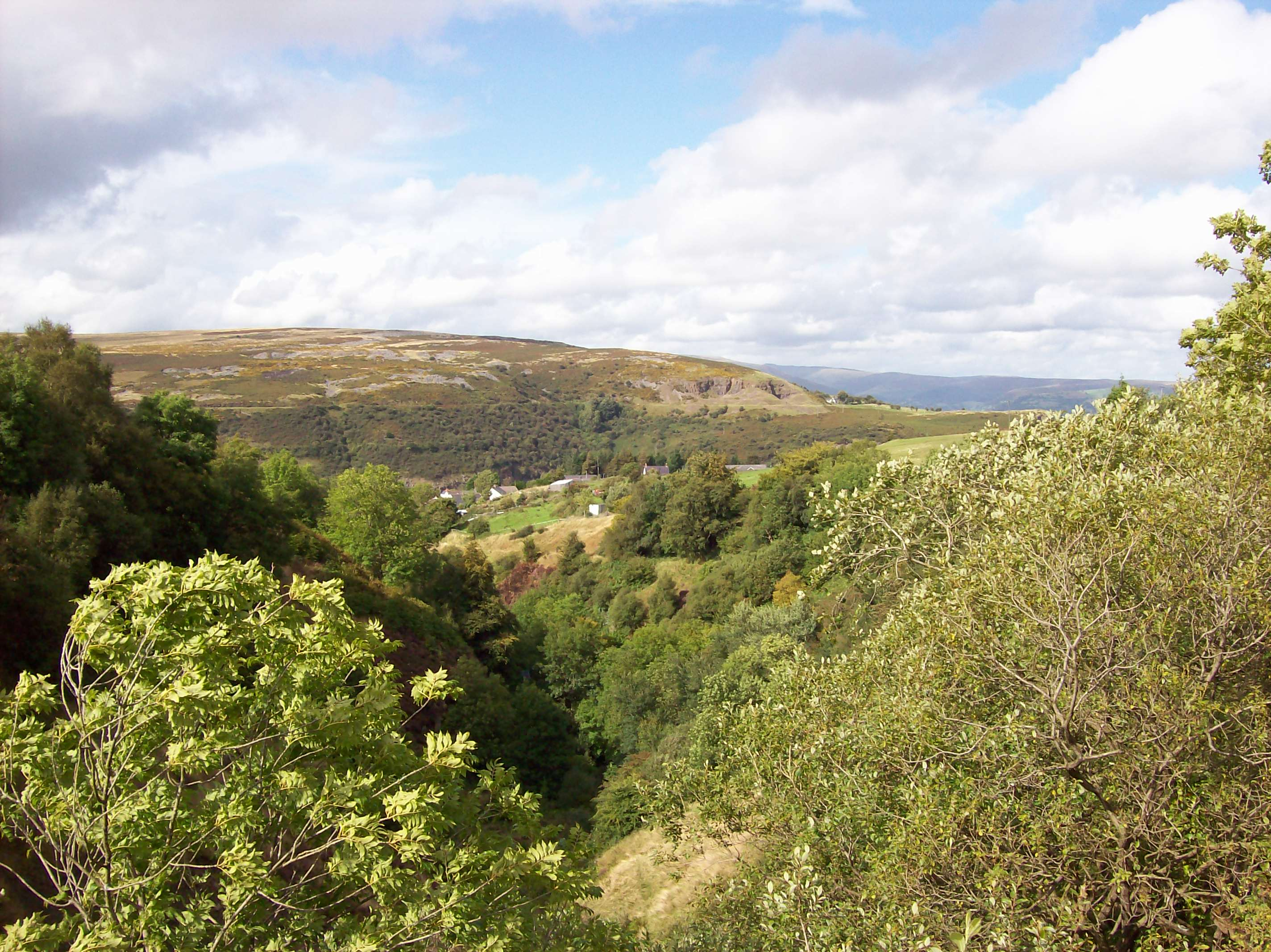 near-llanelli-hill